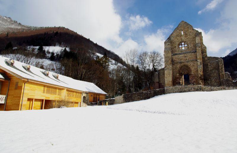 Aulps, abbatiale, abbaye, rosace, façade